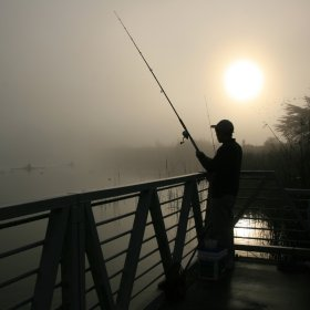 Fisherman at Lake Merced, California, By Mila Zinkova (Own work) [CC-BY-SA-3.0 (www.creativecommons.org/licenses/by-sa/3.0) or GFDL (www.gnu.org/copyleft/fdl.html)], via Wikimedia Commons
